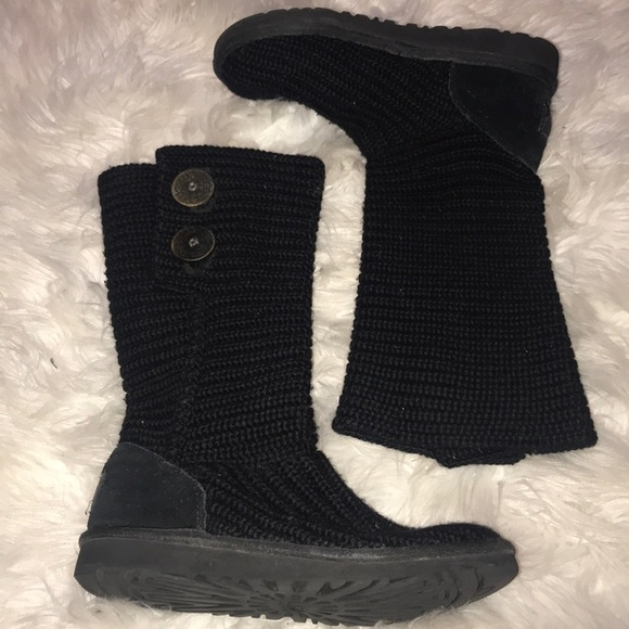 black knit uggs